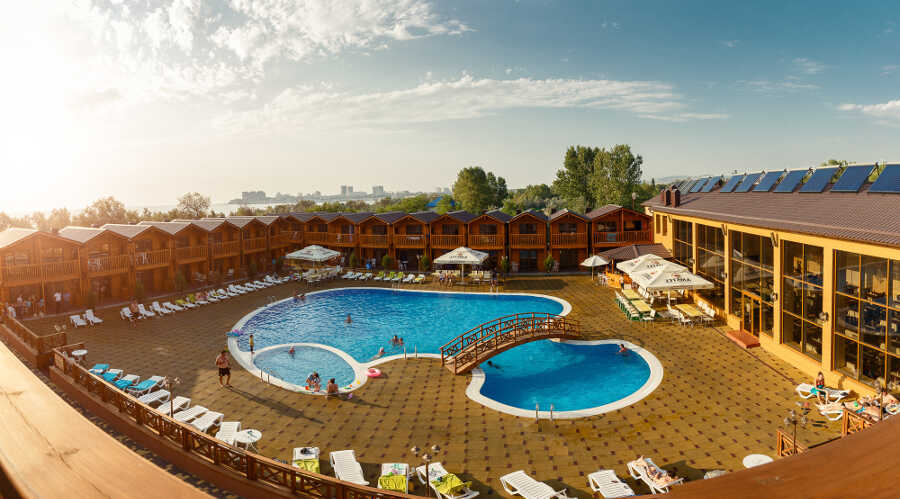 Отдых в Анапе 2021 с бассейном: особенности и цены