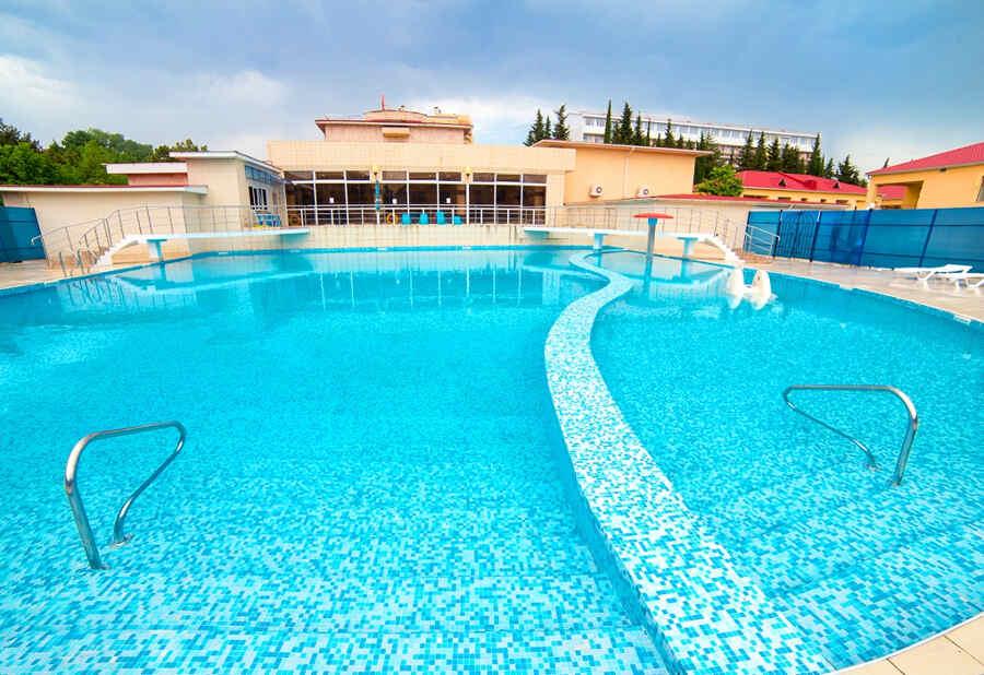 Отдых в Адлере с бассейном