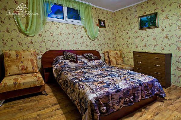 Зеленый дворик Севастополь 13