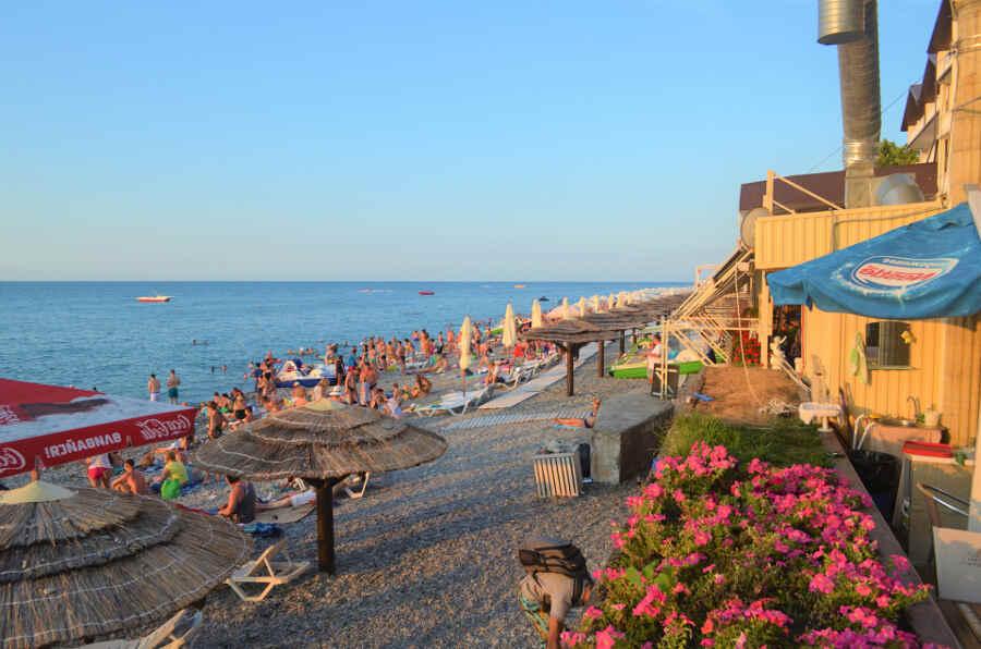 Базы отдыха в Лазаревском: преимущества и цены 2021 года