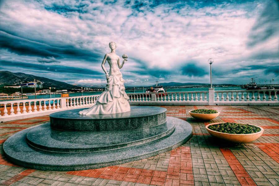 Лучшие места отдыха в Геленджике: где жить и куда съездить?