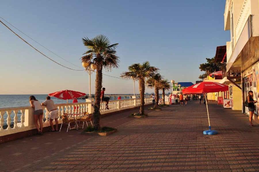 Отдых в Лазаревском в августе 2021: особенности, развлечения, цены