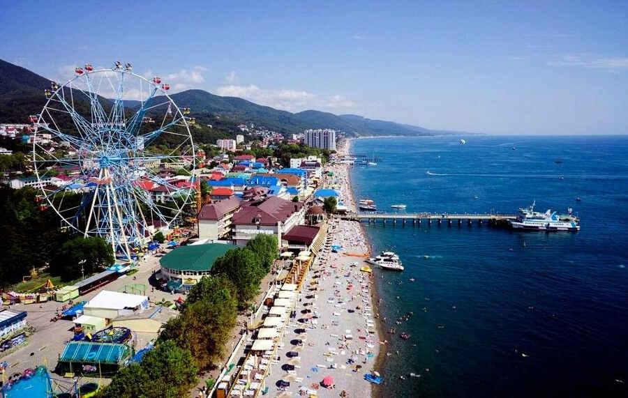 Доступный и интересный отдых в Лазаревском в сентябре: цены, развлечения, отзывы