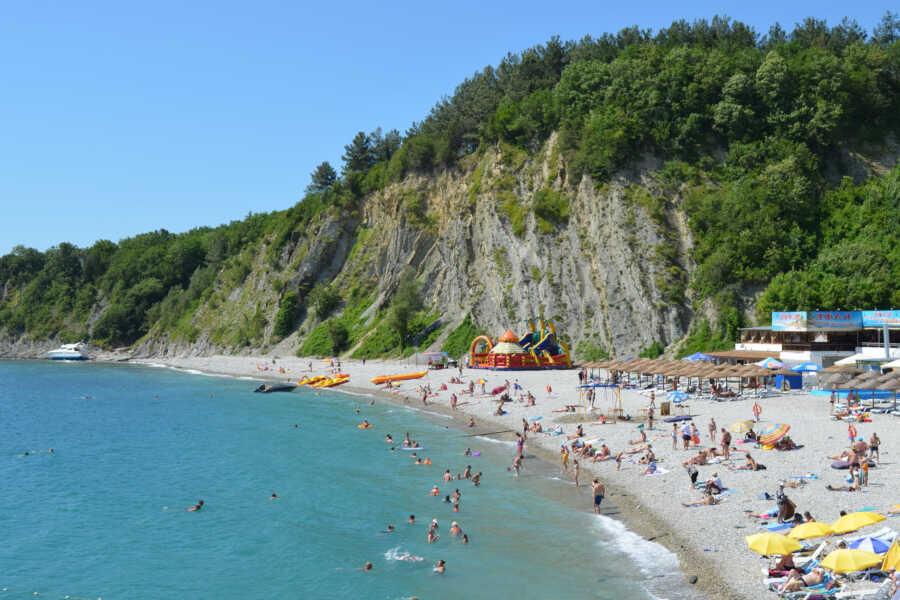 Курорт Ольгинка для отдыха 2021: развлечения и пляжи