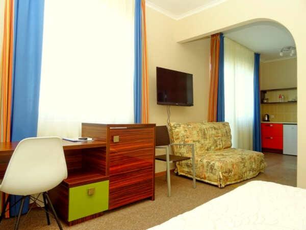 Отель Атлантик в Малореченском (Алушта)