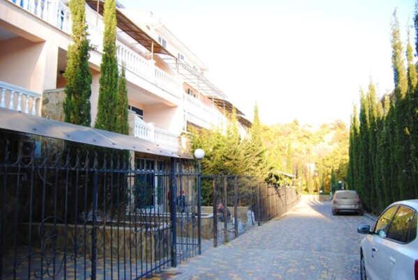 Гостевой дом-эллинг Сиеста в Алуште